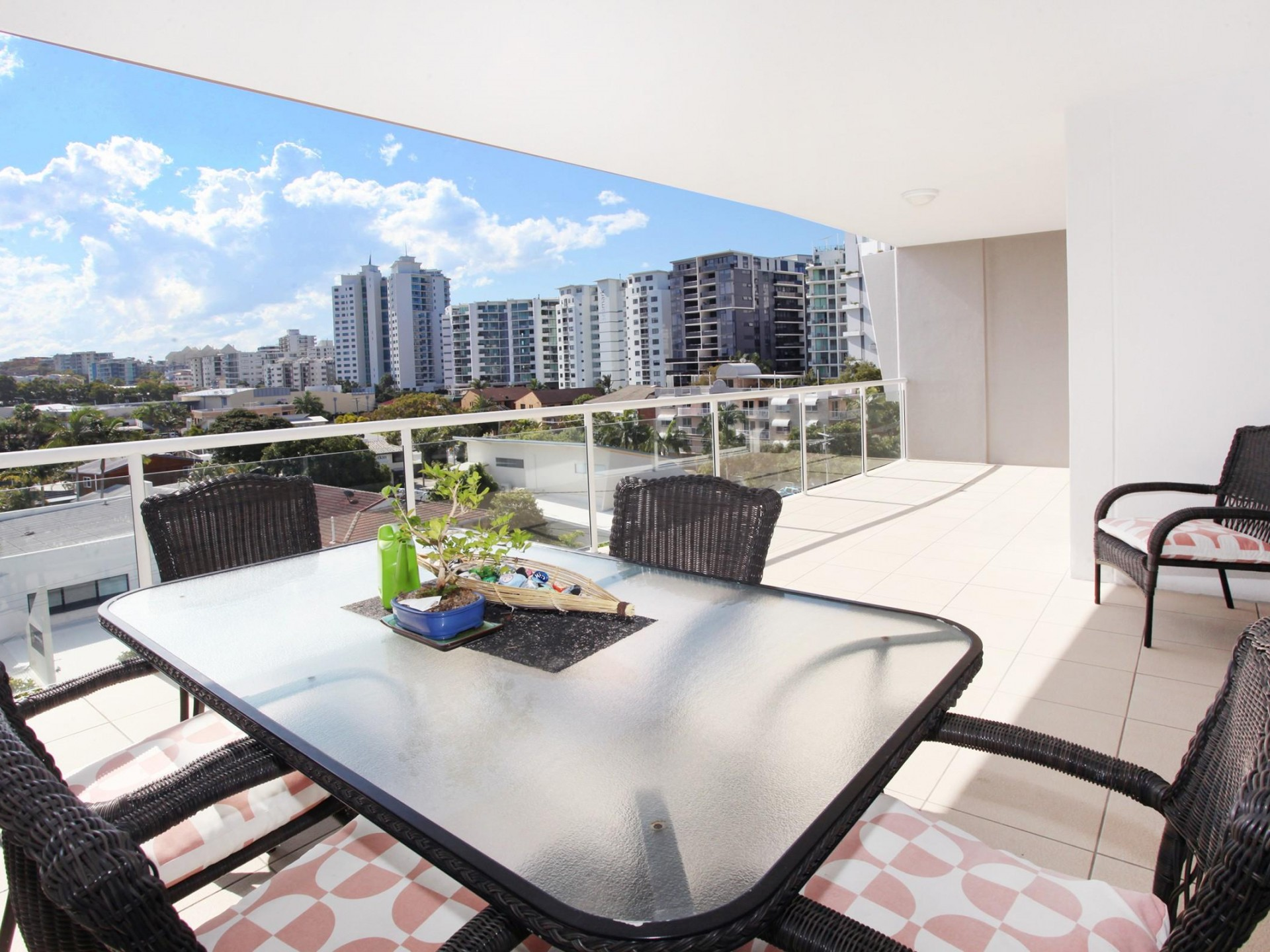 PANDANUS - IRREPLACEABLE - SPACIOUS 3 BEDROOM APARTMENT