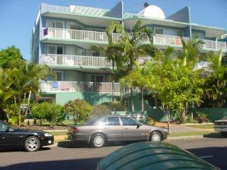 View profile: FURNISHED 3 BEDROOM APARTMENT A SHORT STROLL TO MOOLOOLABA ESPLANADE AND SPARKLING BEACH