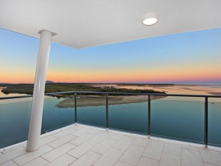 View profile: HIGH LEVEL UNIT WITH AMAZING RIVER/OCEAN VIEWS!